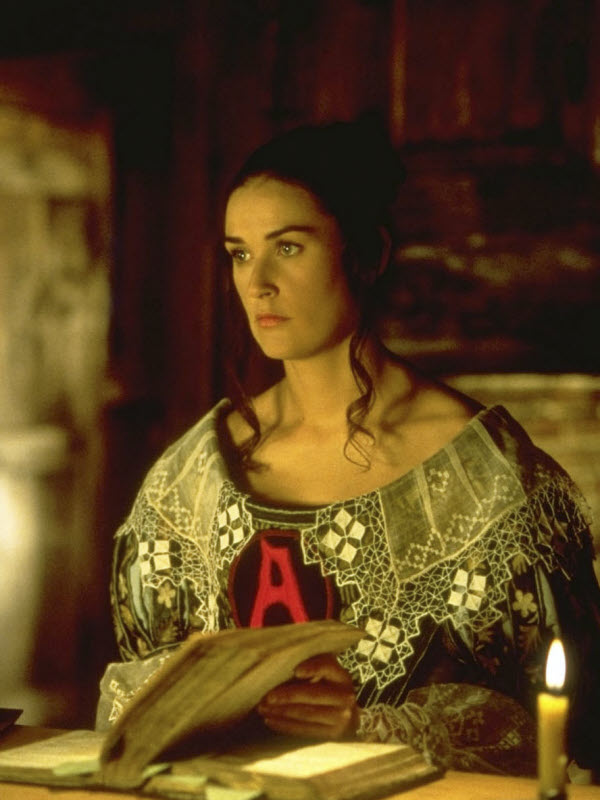 The important life of hester prynne in the scarlet letter by nathaniel hawthorne