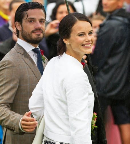 Sofia Hellqvist and Carl Philip shine at the Victoria Day in Sweden