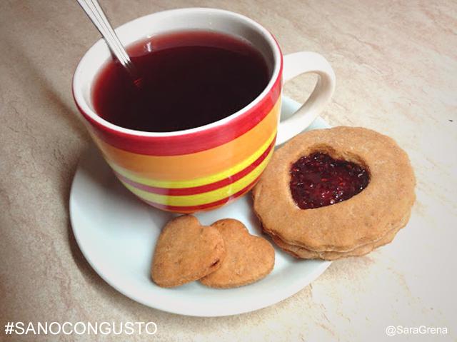 Come preparare i biscotti con cuore lampone