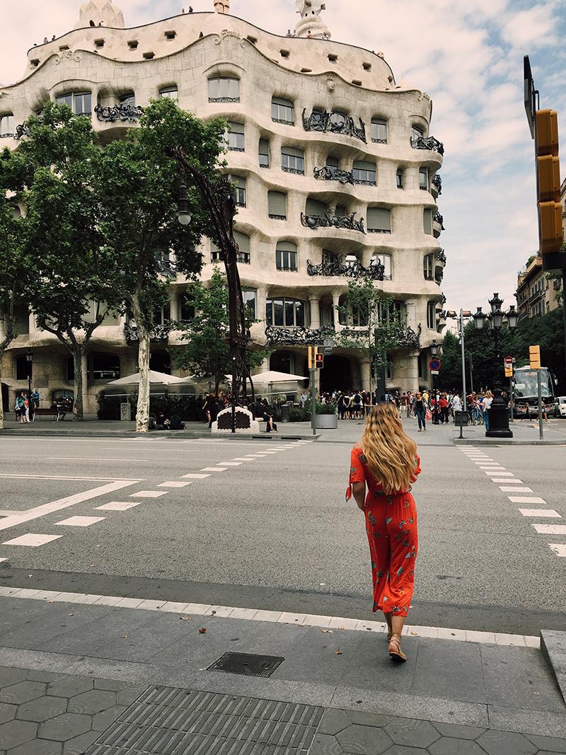 la pedrera, gaudi buildings, barcelona archeticture