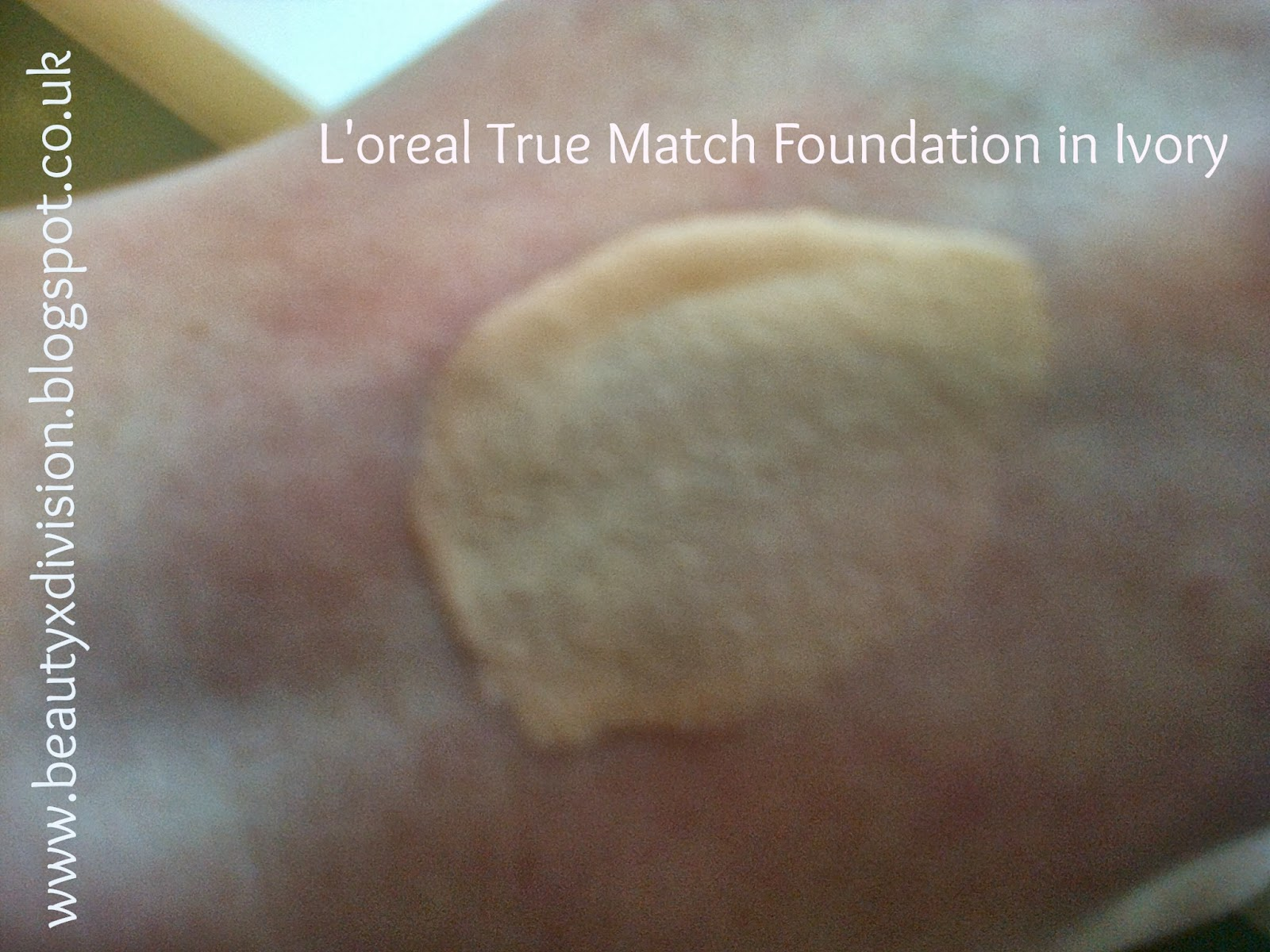 L'oreal True Match Foundation Ivory Swatch