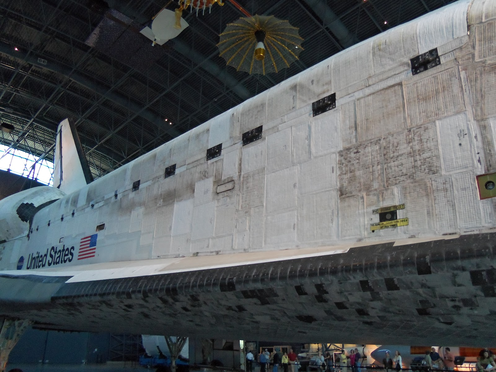 Space Shuttle White Tiles - Pics about space