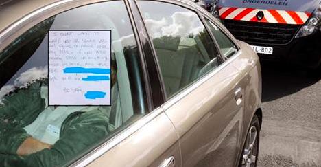 Une jeune femme s'endort dans sa voiture et retrouve, en se réveillant, un mot sur son pare-brise…