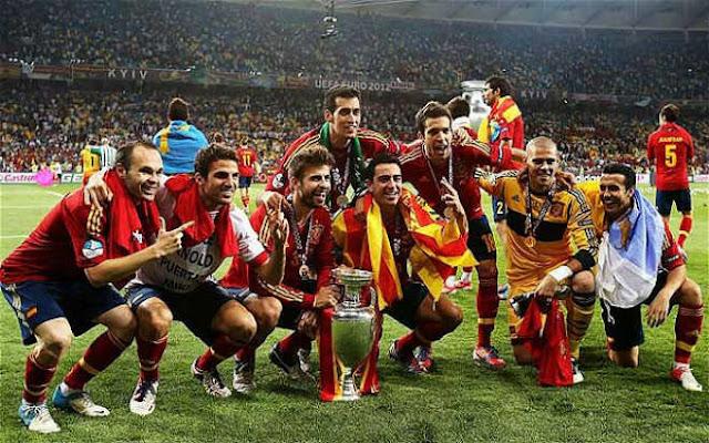 Real mơ 3 năm ẵm cúp C1: Có hơn Barca ăn 6 và Tây Ban Nha huyền thoại? 3