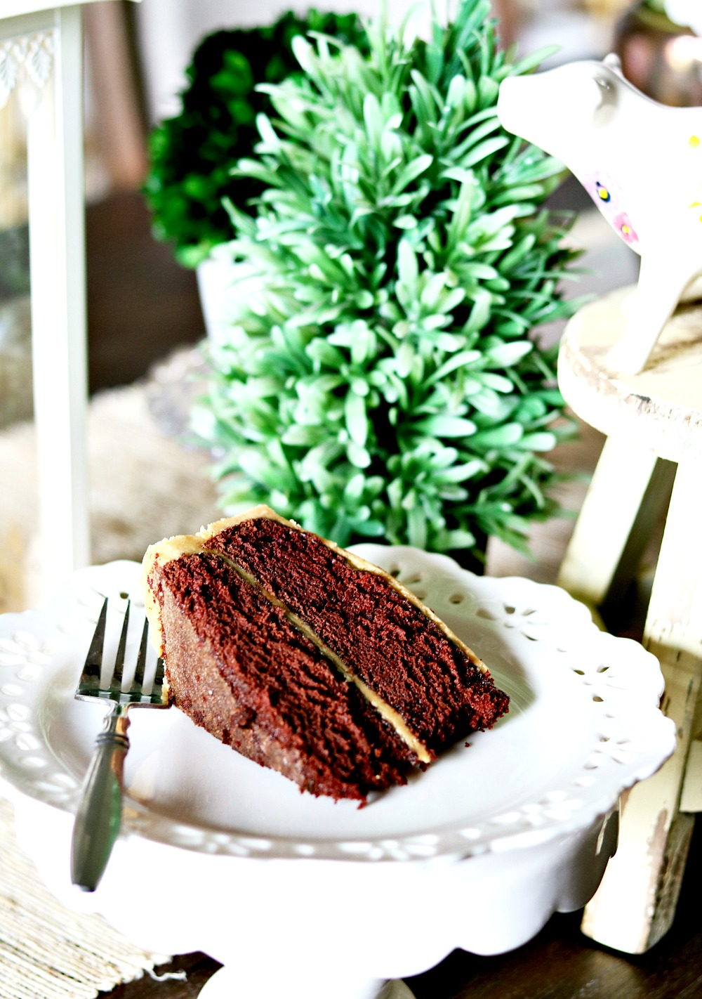 caramel-icing-frosting-baking-homemade-pretty-holiday-festive-delicious