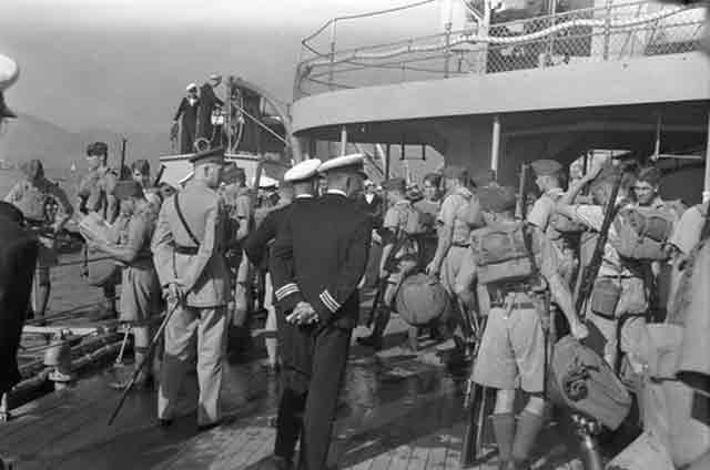Canadian troops arriving in Hong Kong, 16 November 1941 worldwartwo.filminspector.com