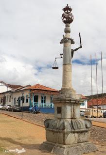 Pelourinho da Praça Minas Gerais, Mariana, Minas Gerais.