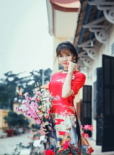 Ao dai, New Year's and Spring time