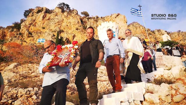 Γιορτάζει το γραφικό εκκλησάκι του Αγίου Νικολάου στην παραλία Καραθώνας στο Ναύπλιο (βίντεο)