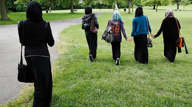 المرأة أكثر من مجرد نصف المجتمع - تاملات انسانية وقانونية