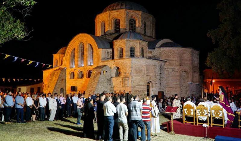 Πλήθος πιστών στην Παναγία Κοσμοσώτειρα Φερών