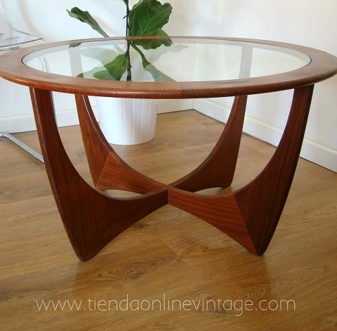 Muebles vintage madera de teca años 70. Marca g-plan modelo astro, mesita auxiliar estilo danés.