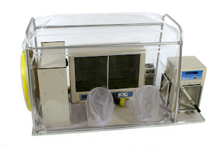 anaerobic chamber with airlock and incubator