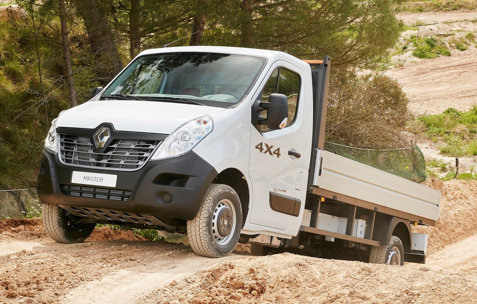 renault introduz tra o x track para master kangoo e trafic. Black Bedroom Furniture Sets. Home Design Ideas