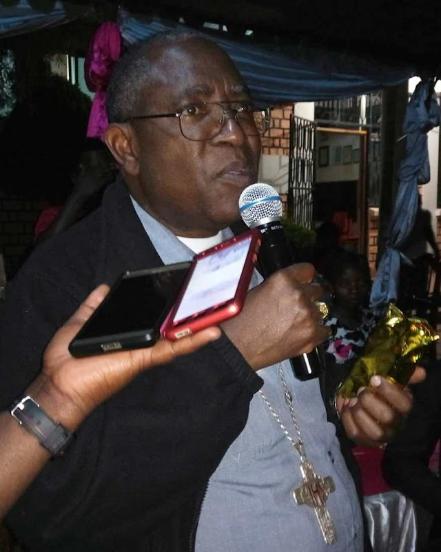 Askofu Niwemugizi - ''Radio Kwizera ni Jukwaa la Matumaini''.