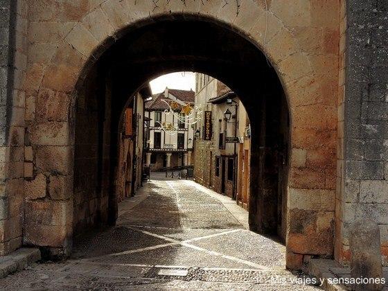 Puerta Real, Covarrubias, Castilla y León, Burgos