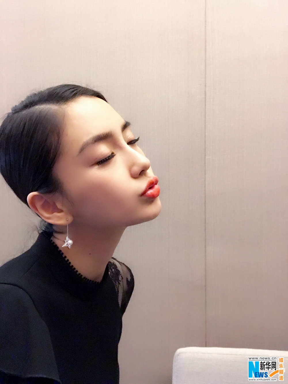 Stills of Angelababy and Huang Xuan in Entrepreneurial Age