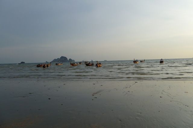 Turyści wracają z wysp