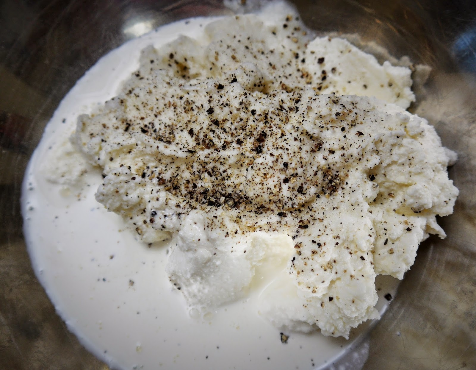 ricotta with black pepper