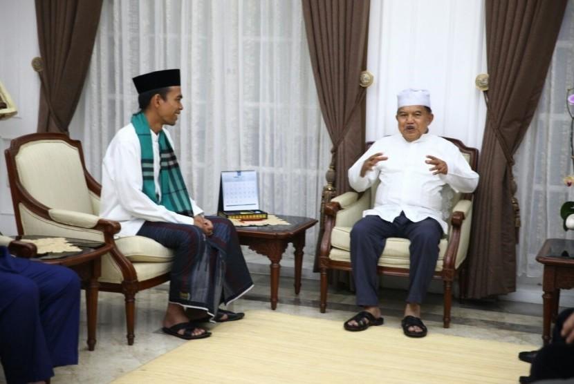 Jusuf Kalla dan Ustadz Abdul Somad