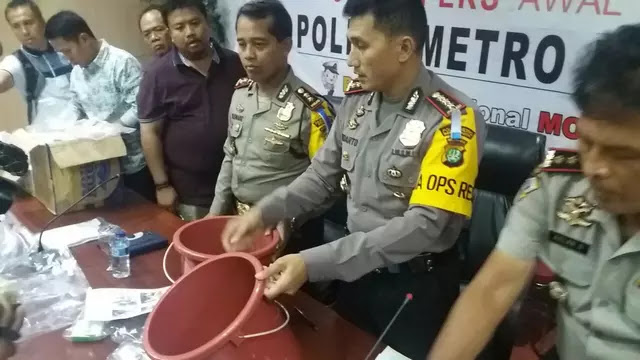 Gerebek Toko Obat di Bekasi, Oknum FPI Jadi Tersangka, Begini Kronologisnya