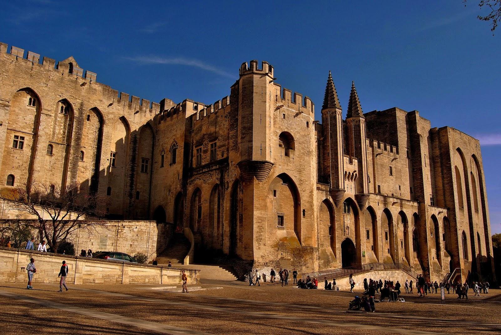 Il Palazzo dei Papi dell'empia Babilonia