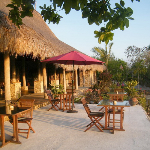 Tinuku Nautil Sumba Resort on Marosi beach presenting Sumba island ethnographic into restaurants architecture