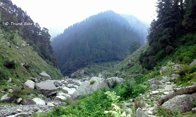 Jalsu Pass Trek a head Parai Gothe