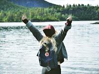 6 Sifat Cewek Dilihat dari Isi Ranselnya Pas Lagi Traveling. Kamu yang Mana?