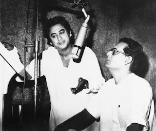 Kishore is with Hemanta Kumar in the picture.)