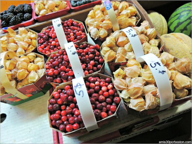 Frutas del Mercado Atwater Market en Montreal
