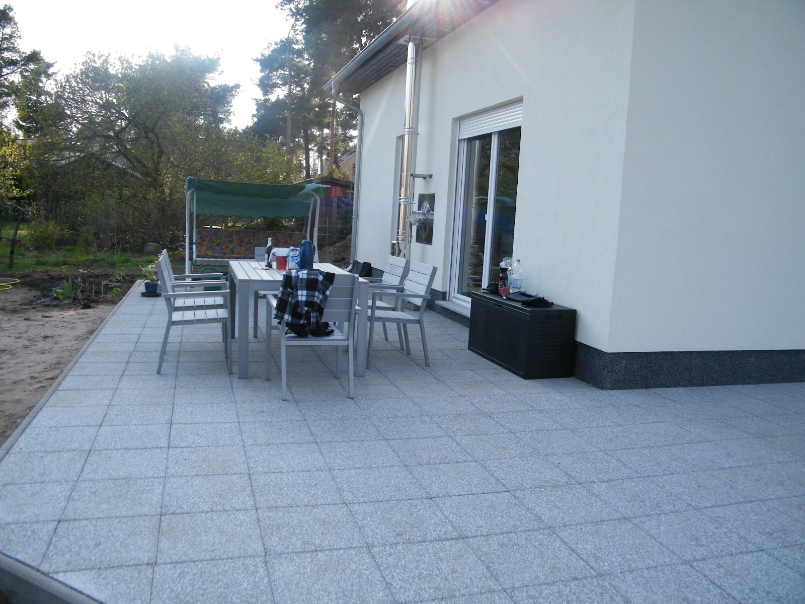 die terrasse ist fertig unser traum vom haus. Black Bedroom Furniture Sets. Home Design Ideas