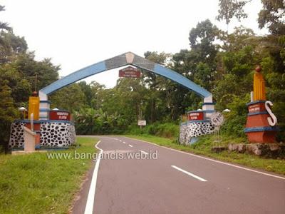 Gerbang Perbatasan Maumere Larantuka