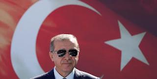 Ο Ερντογάν οδηγεί την Τουρκία στα βράχια