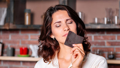 The smell of chocolate makes your brain feel relaxed.