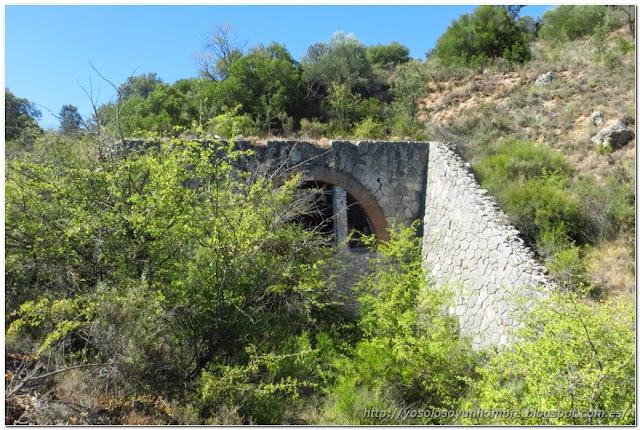 Otro tunel, medio tapado, también dicen que los han usado hace años para criar champiñones