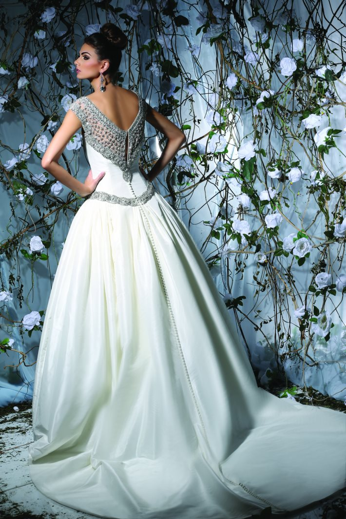 Image 1: Wedding Dress