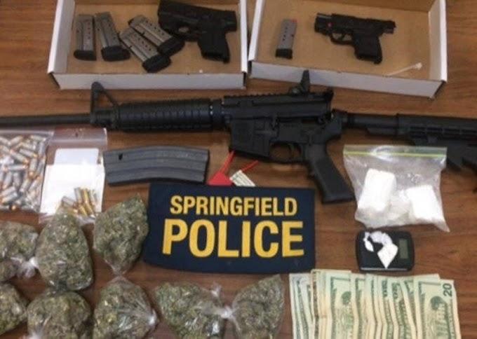 Un dominicano empleado de Smith & Wesson acusado por tráfico  de armas y drogas en Massachusetts