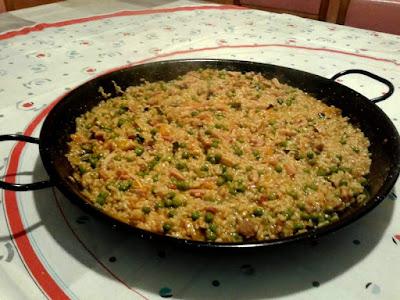Arroz a la leña con verduras y carne
