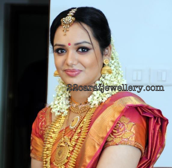 Singer Jyotsna Spotted With Traditional Wedding Jewellery