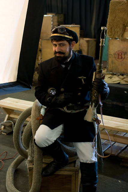 Captain Nemo cosplay (jules verne character from 20,000 leagues under the sea and the mysterious island). Men's steampunk cosplay clothing and fashion.
