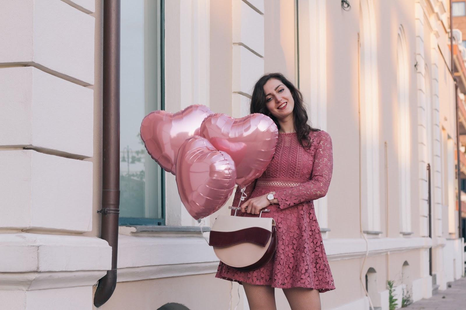 Un vestito romantico per la primavera e la borsa di Villatrentuno
