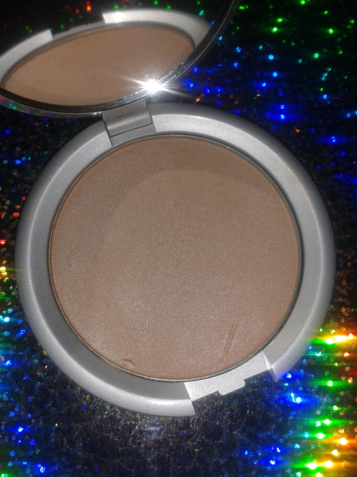 The Cocoa Dynasty Lorac Perfectly Lit Luminizing Powder Radiant