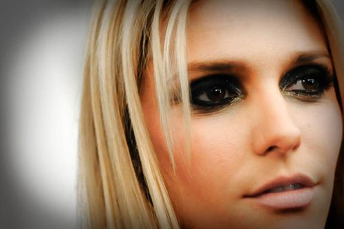 Maquiagem para Fotos: Veja 9 Itens para uma Produção