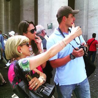 Explicaçoes na Praça São Pedro