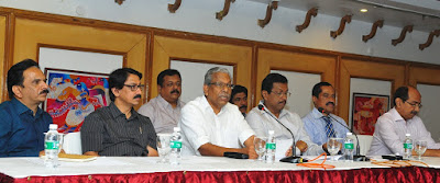 Minister for Tourism and Co-operation, Shri A.C. Moideen speaking at the press conference. Kerala Tourism Director, Shri UV Jose, Tourism Principal Secretary Dr. Venu V, KTM Society President Shri Abraham George, President of the Confederation of Kerala Tourism Industry Shri E.M. Najeeb and KTM Secretary Shri Jose Mathew are also seen.