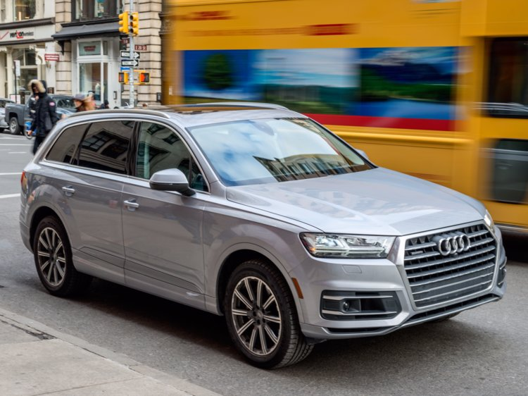 Experience A Luxurious Feeling With SUV Car Models
