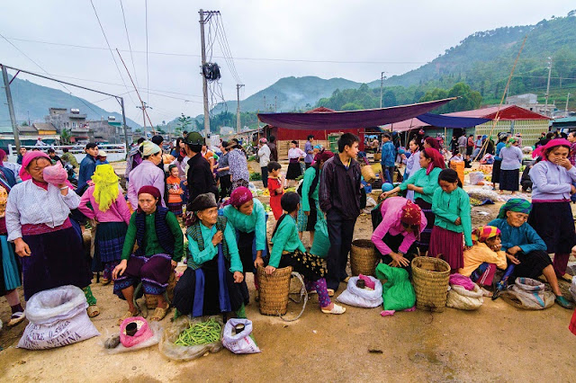 Explore the highland markets in Ha Giang 1