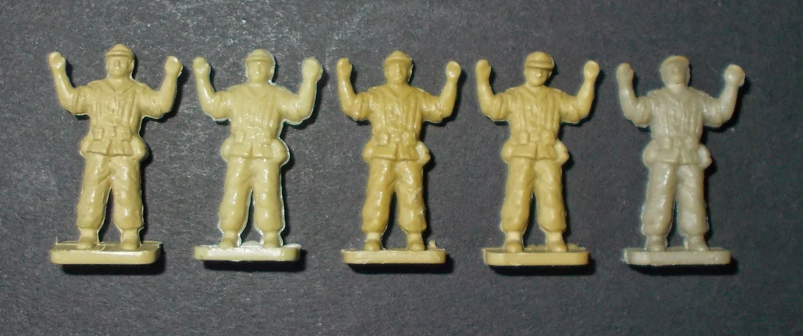 S11, 01711-6, Africa Korps, 1/76 scale, 1961 to 1972, 01711-6, 1973, Plasty, Germany, Kit Number 1005, 1960s, MPC, USA, 2-8001 El Alamein, 2-8054 Tank Battle at El Alamein, Early 1970s, Airfix Afrika Korps, 1/76th, MPC 2-8001 , MPC 2-8054, Tank Battle at El Alamein, El Alamein, 1962, 46 figures, 20 poses, 01711-6, 9 01711, 01711, A01711, First Type, 1st Type, Type One, Type 1, Type I, Germen, Deutsches, DAK,