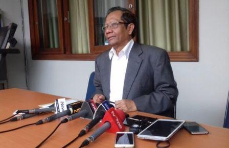 Zulkifli Hasan Sebut 5 Fraksi DPR Setuju LGBT, Mahfud MD Berikan Kicauan Menohok